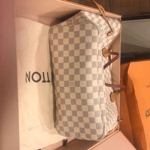 Louis Vuitton Bags - Louis Vuitton never full bag